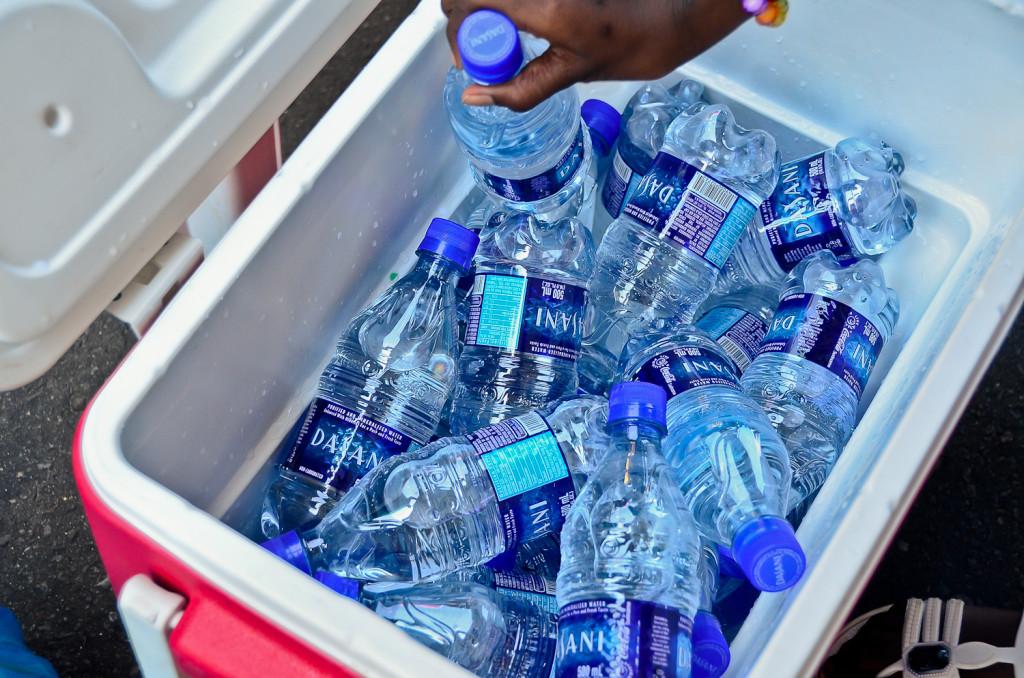 Dasani water in koelbox